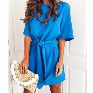 Dresses & Skirts - NWT- boutique blue dress